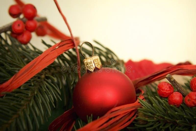 Download Weihnachtsverzierung stockfoto. Bild von karte, grün - 27735086