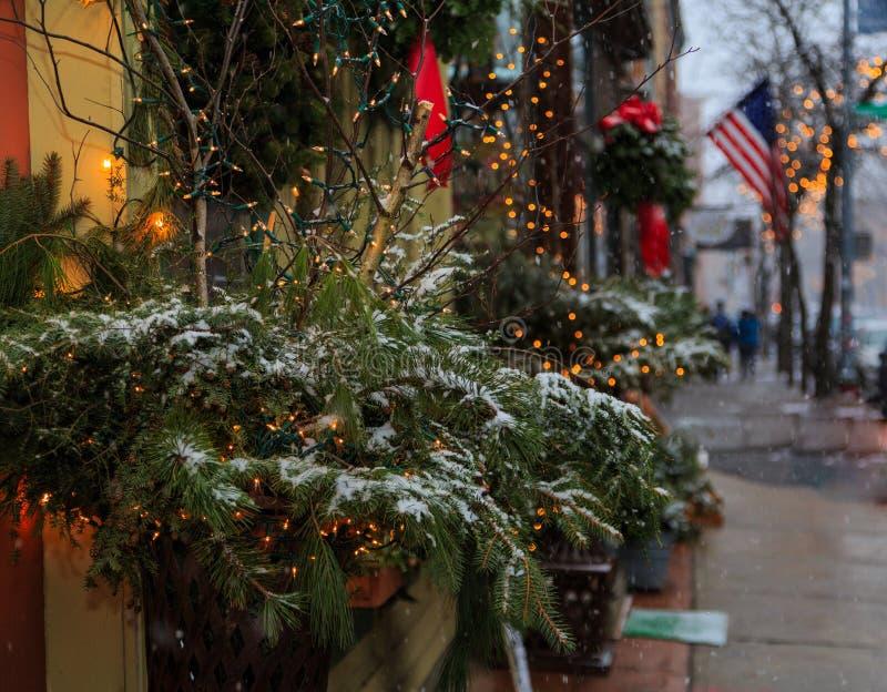 Weihnachtszeit 2017 in Troja NY im Stadtzentrum gelegen während des Schneesturms stockfotografie