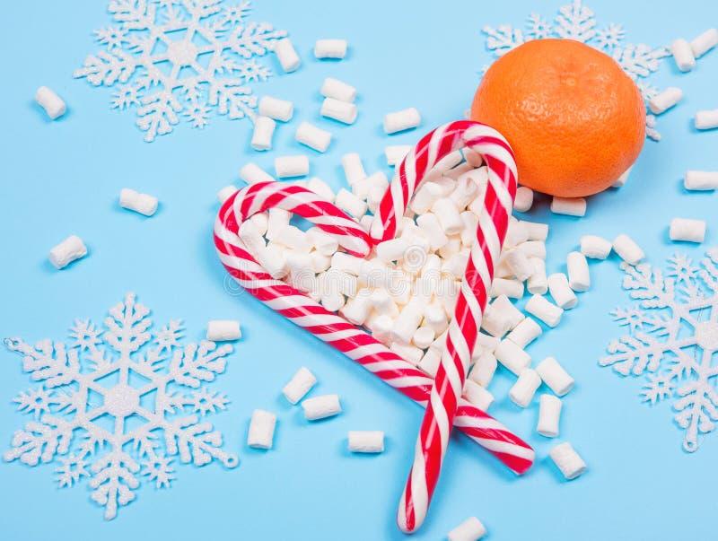 Weihnachtszuckerstangen stockbilder