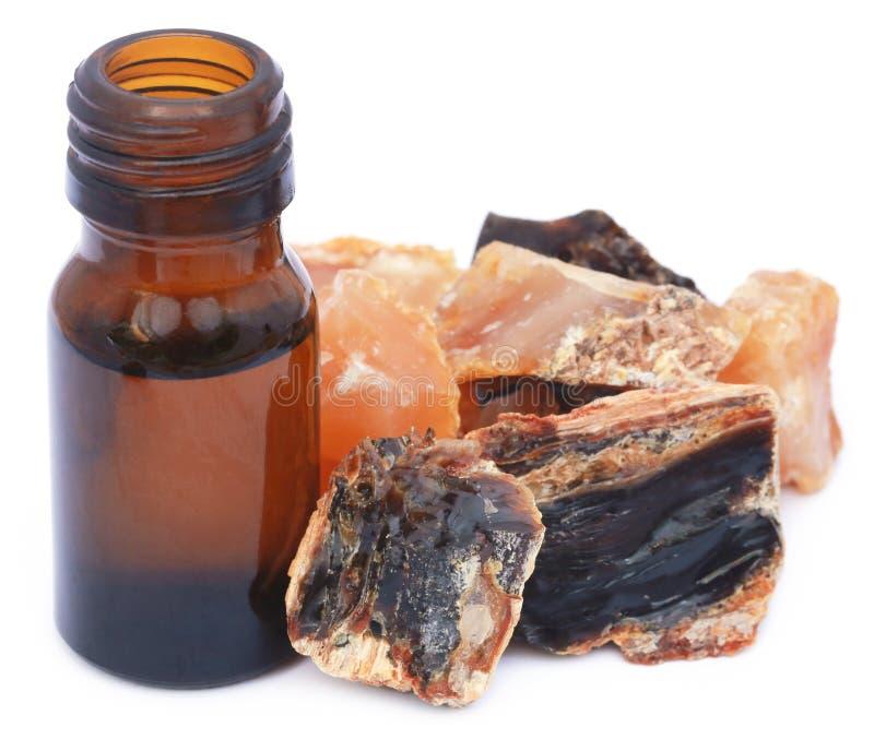Weihrauch dhoop mit ätherischem Öl lizenzfreies stockfoto
