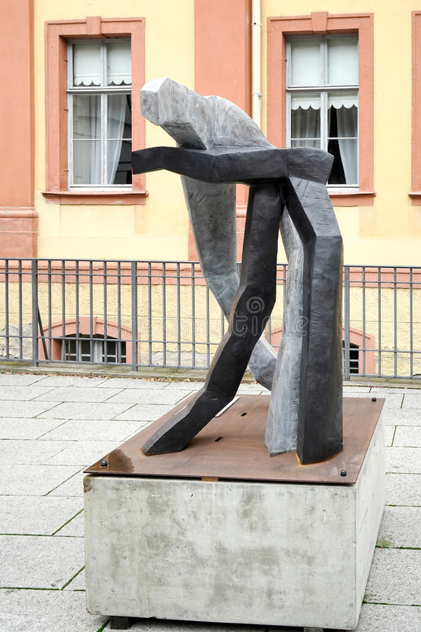 WEIMAR GERMANY/EUROPE - SEPTEMBER 14: Modern skulptur i Weim arkivfoto