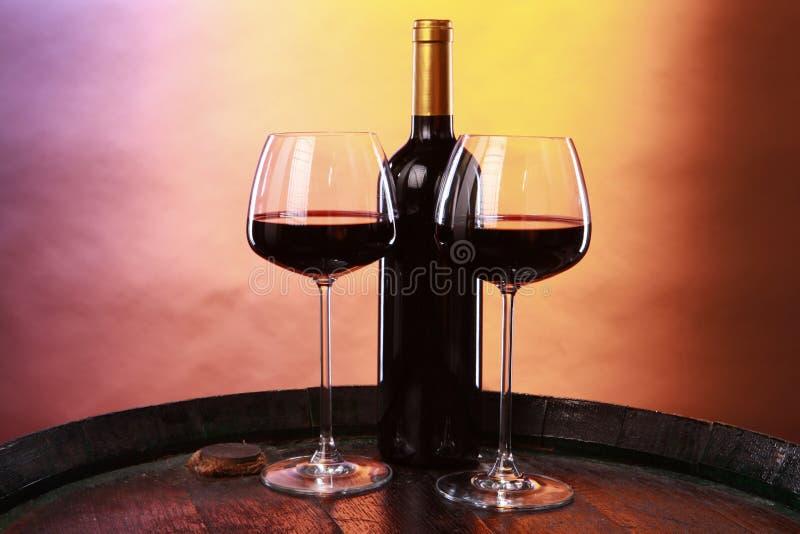 Wein auf einem Faß stockfotos