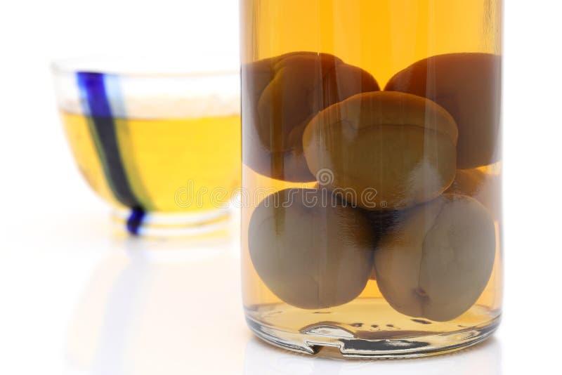 Wein der japanischen Pflaume nannte umeshu lizenzfreies stockbild