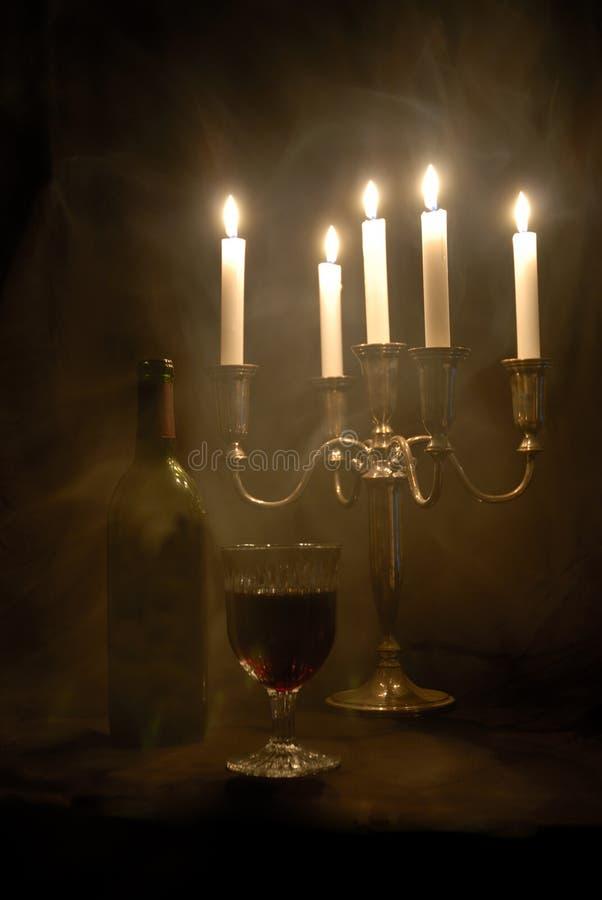 Download Wein des Vampirs stockbild. Bild von vampire, kerzenlicht - 852819