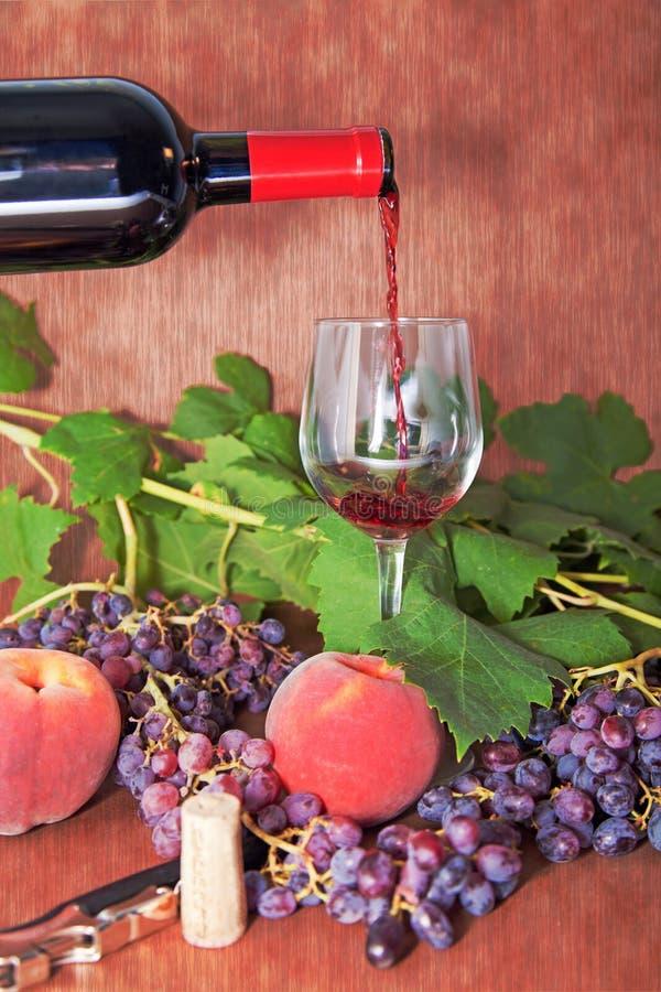 Download Wein für jede Gelegenheit stockbild. Bild von menü, glas - 26361083