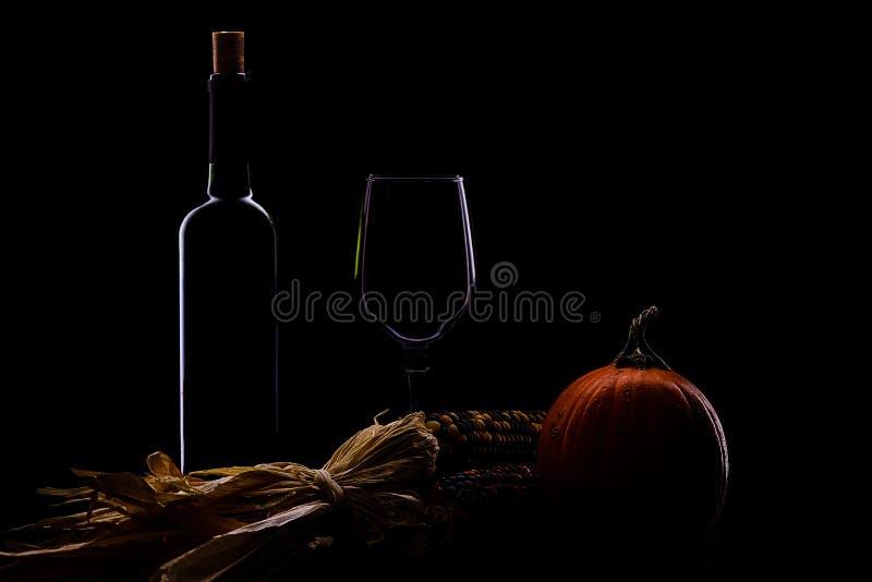 Wein im Fall stockfotos
