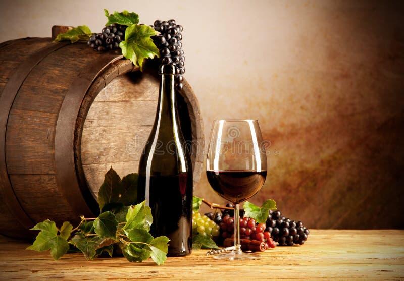 Wein mit Fass stockfotos