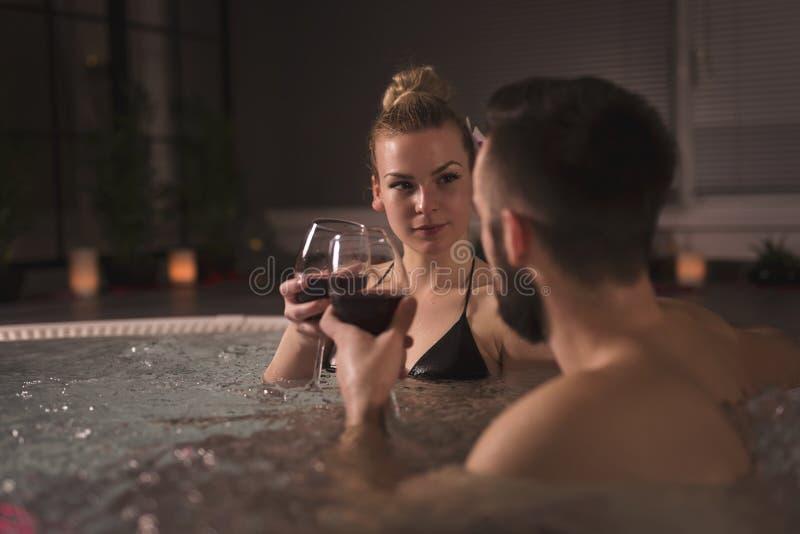 Wein und Romance stockbilder