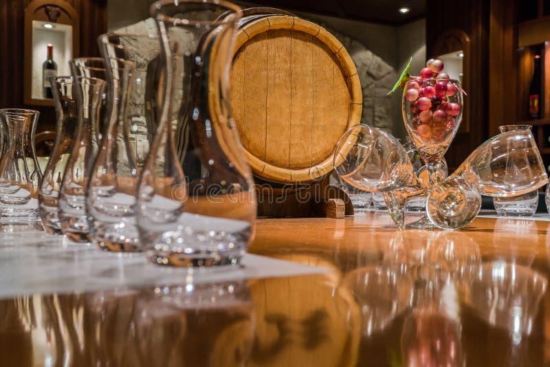 Am Weinbar stockfotografie