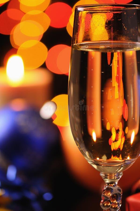 Weinglas mit einem Champagner lizenzfreie stockbilder