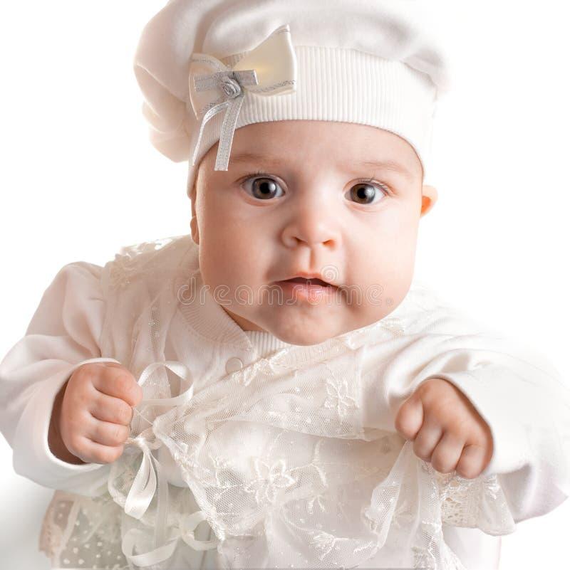 Weinig 3 maanden baby-meisje kleedde zich in wit kostuum royalty-vrije stock afbeelding