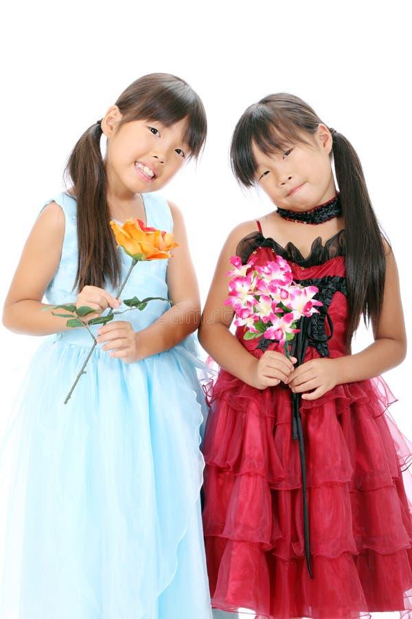 Weinig Azië meisjeszusters