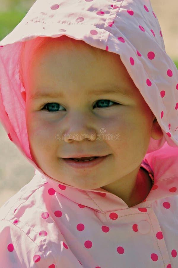 Weinig baby het glimlachen stock afbeeldingen