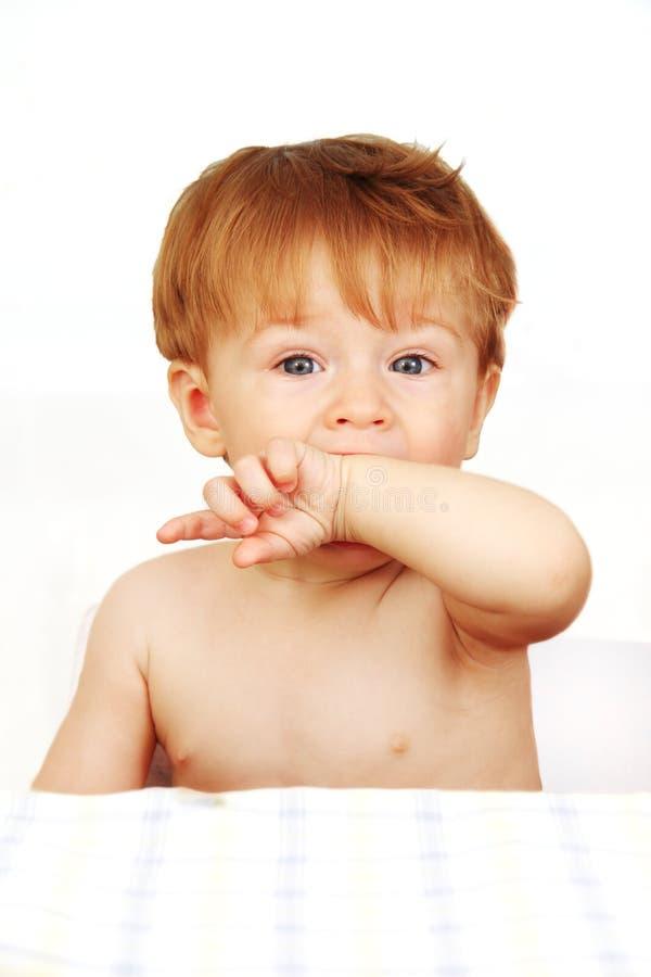 Weinig babyjongen. stock fotografie