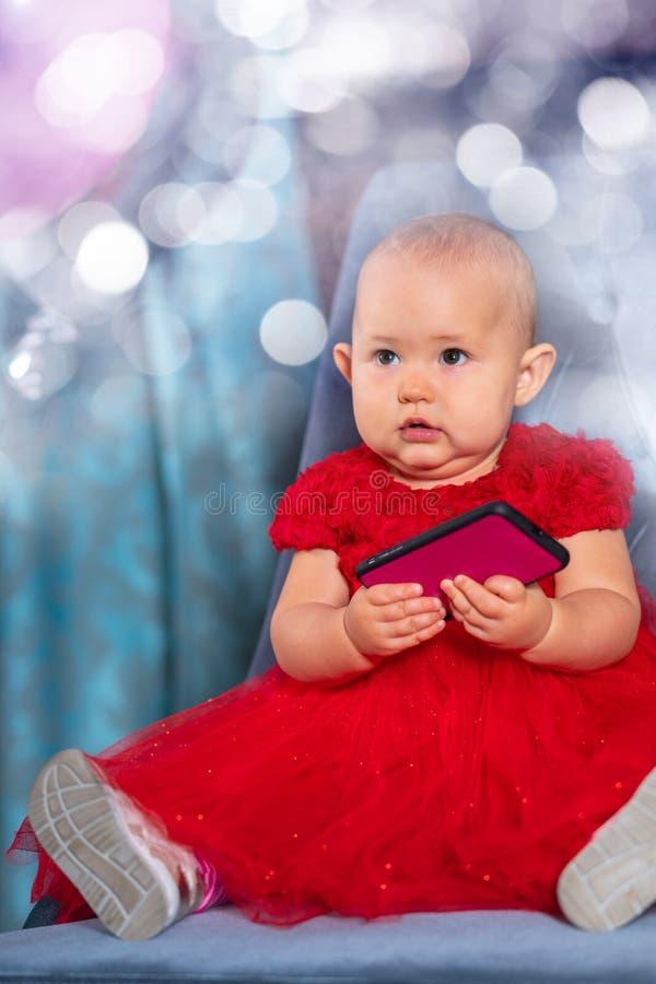 Weinig babymeisje dat haar eerste verjaardag viert stock foto