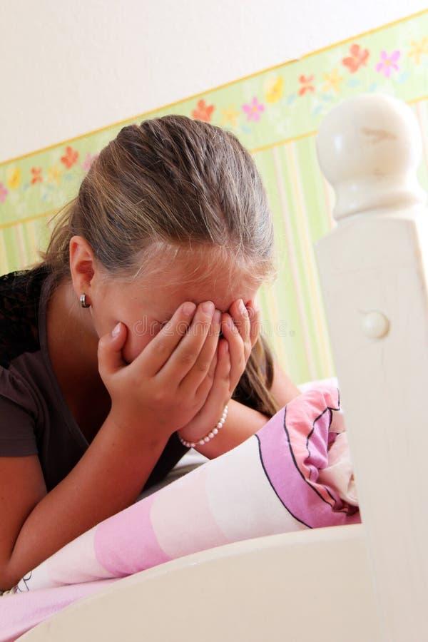 Weinig droevig meisje stock foto