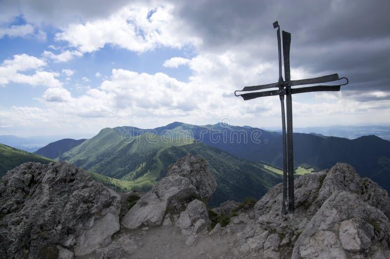 Weinig Fatra-de bergen, Lesser Fatra-bergen, nationaal park in de zomer, zetten Velky Rozsutec op royalty-vrije stock afbeelding