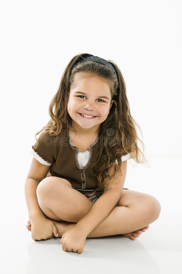 Weinig glimlachend Spaans meisje. stock foto's