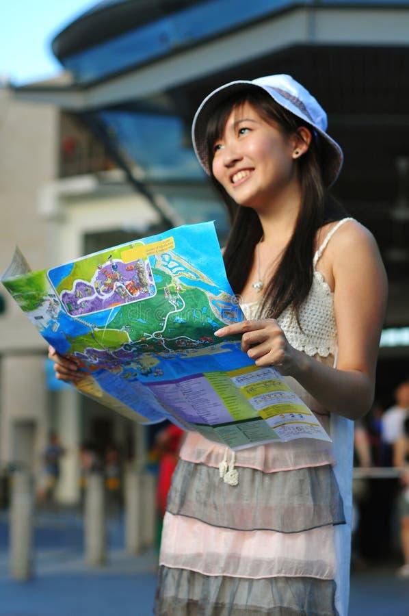 Weinig het Chinese Aziatische denken van het Meisje van de Toerist royalty-vrije stock afbeelding