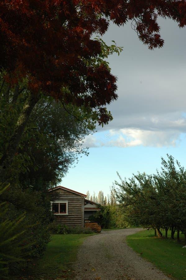 Download Weinig huis stock foto. Afbeelding bestaande uit spoor - 291534