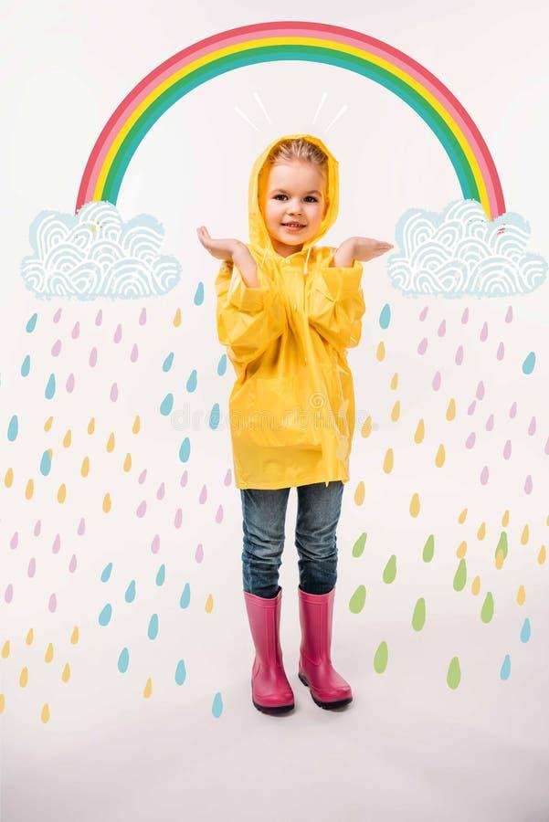weinig jong geitje in gele die regenjas en rubberlaarzen, op wit wordt geïsoleerd royalty-vrije illustratie
