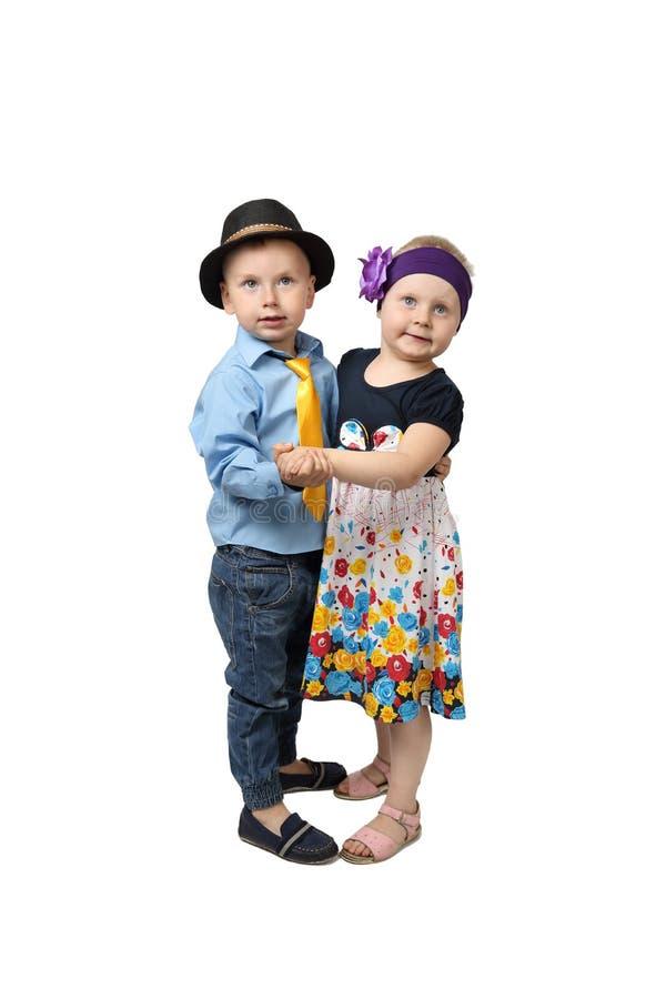Weinig jongen en meisjes het dansen royalty-vrije stock foto