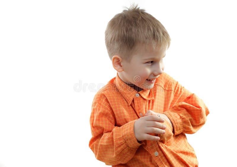 Weinig jongen speelt streken royalty-vrije stock afbeelding