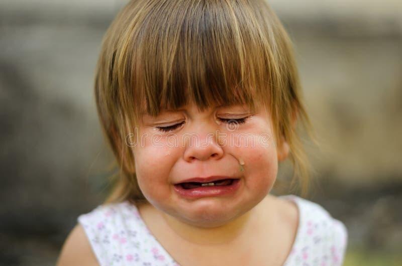Weinig kind het schreeuwen stock fotografie