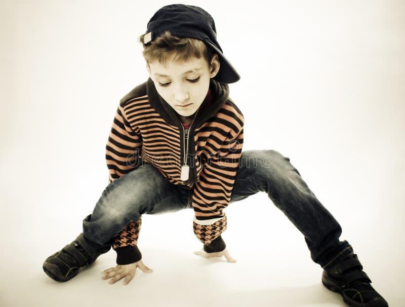 Weinig koele heup-hop jongen in dans. royalty-vrije stock foto's