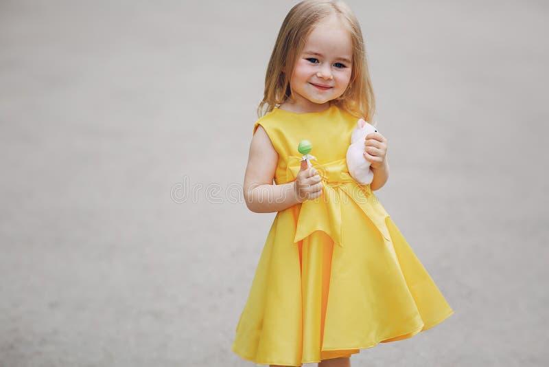 Weinig mooie gir royalty-vrije stock fotografie