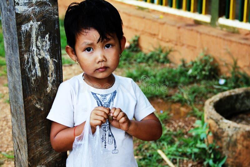 Weinig Myanmar zoet meisjesportret royalty-vrije stock afbeelding