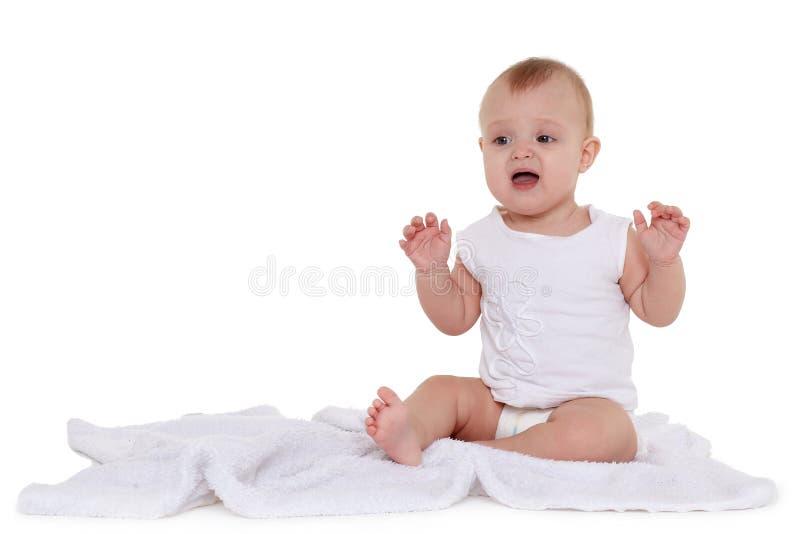 Weinig schreeuwende baby in luier stock afbeelding