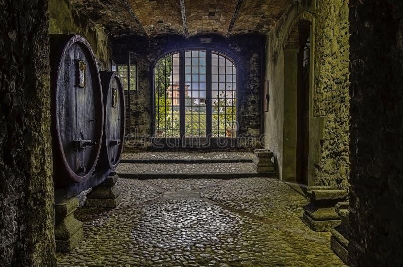 Weinkellerei mit einer Ansicht stockfoto