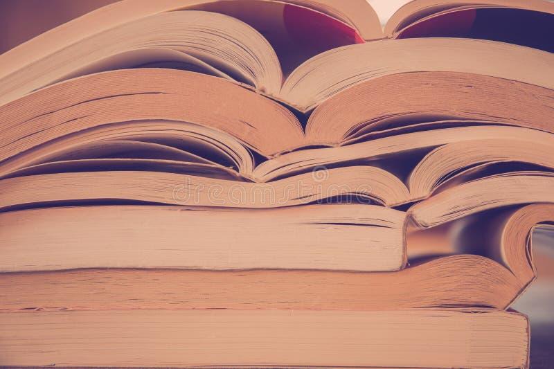 Weinlese-Art-Bücher stockbilder