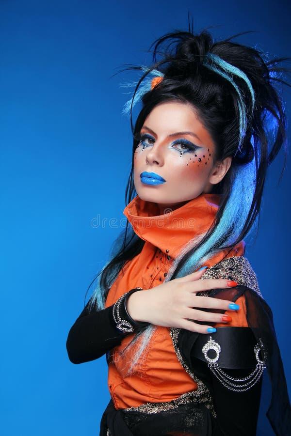 Weinlese-Art-Mädchen-tragende Handschuhe verfassung Manicured Nägel frisur stockfotografie