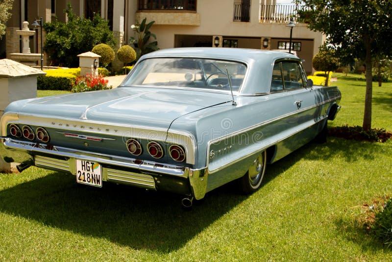 Weinlese-Auto-Chevrolet- Impalacoupé 1964 lizenzfreie stockfotos