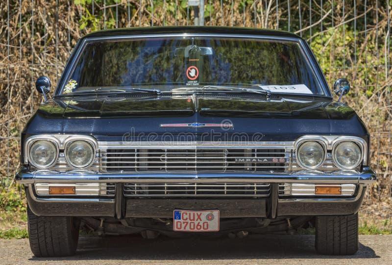 Weinlese Chevrolet Impala 1965 SS stockfotos