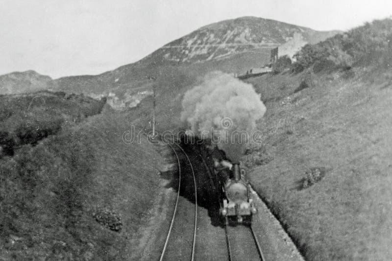 Weinlese-Dampf-Zug 1900 in Wales stockbilder