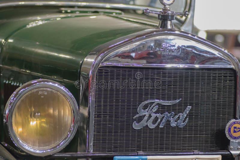 Weinlese-Ford-Auto, machte im Jahre 1935 stockfotos