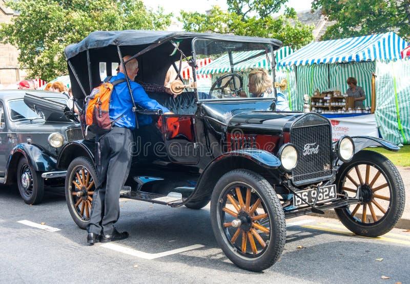 Weinlese Ford bei Grantown auf Spey lizenzfreie stockbilder