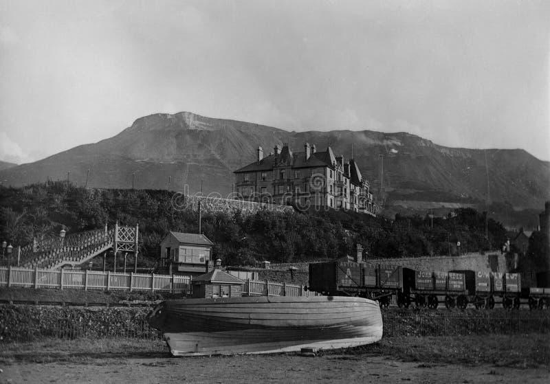 Weinlese-Foto 1900 des Strandes Llanfairfechan Wales stockfotografie