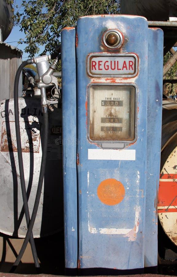 Weinlese-Gas-Pumpe lizenzfreie stockbilder