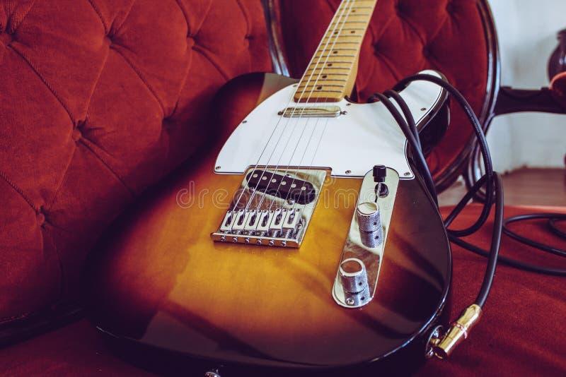 Weinlese-Gitarren-Fender stockbilder