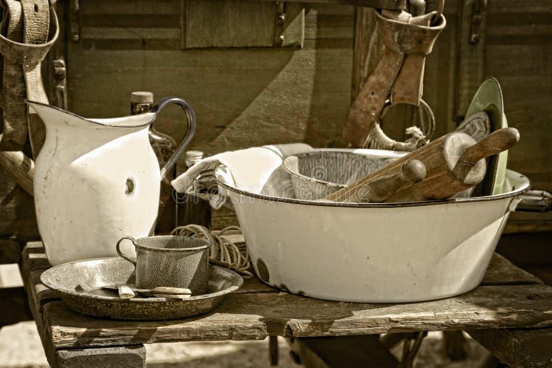 Weinlese-kochende Geräte und Felder stockbilder