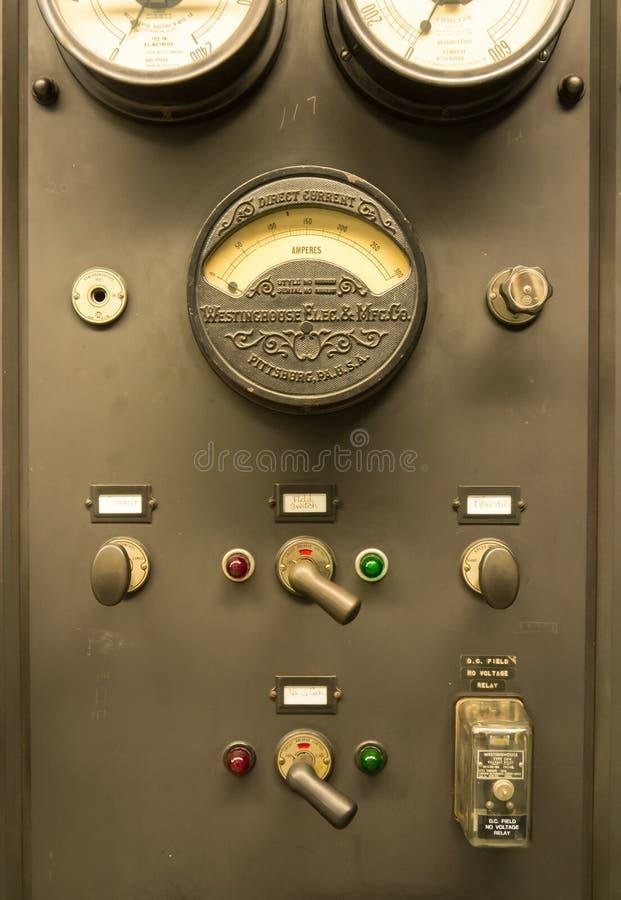 Weinlese-Kraftwerk-Kontrollen lizenzfreies stockfoto