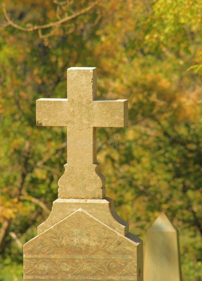 Weinlese-Kreuz stockbild