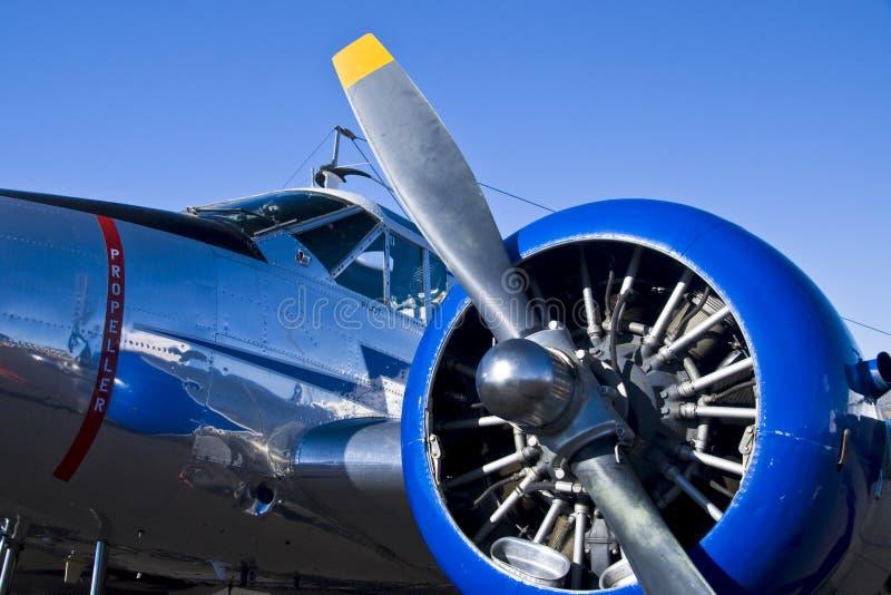 Weinlese-Militär-Flugzeug lizenzfreie stockbilder