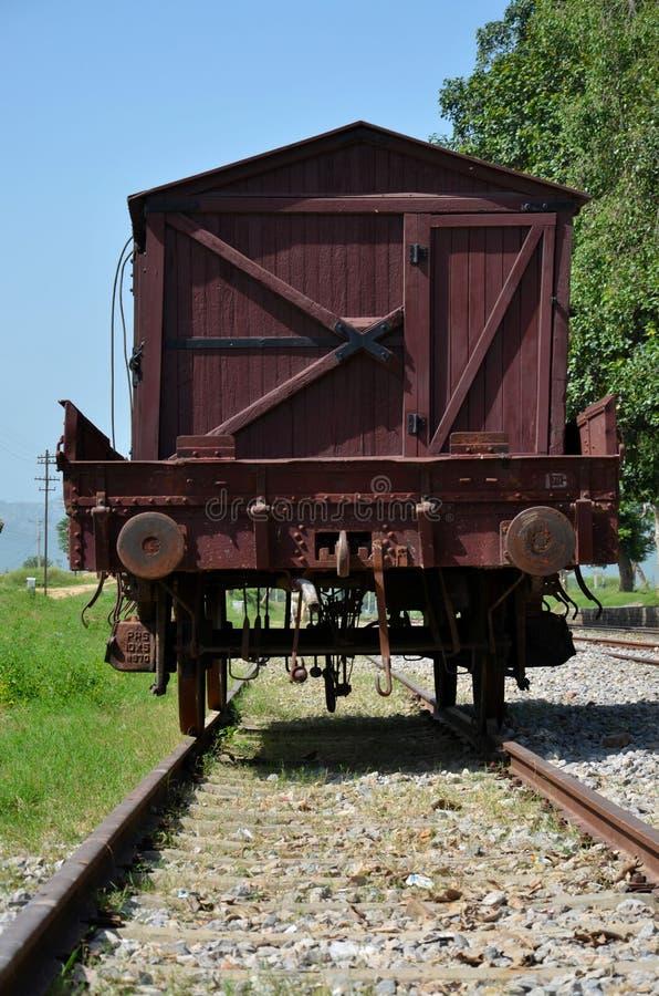 Weinlese-Pakistan-EisenbahnWaggon auf Schienen am Bahnmuseum Islamabad stockfotografie