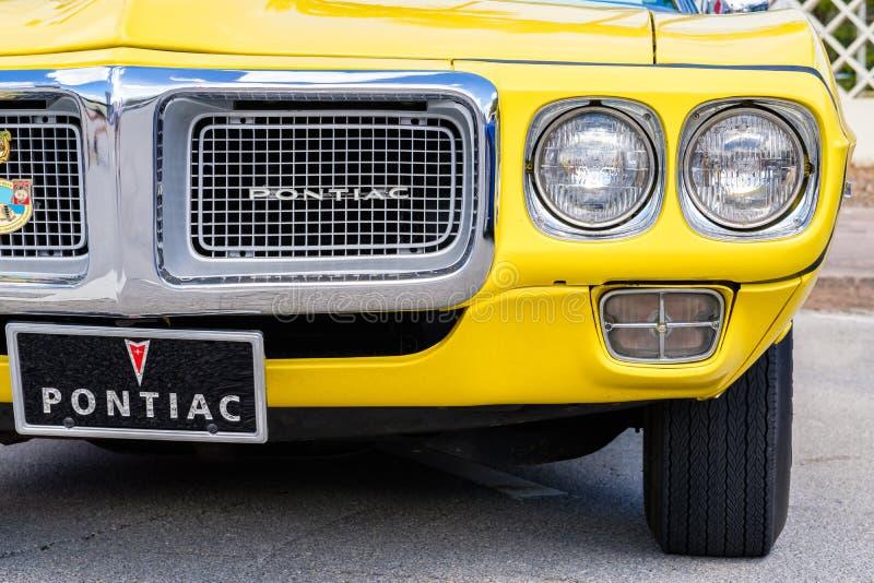 Weinlese Pontiac Firebird stockfotos