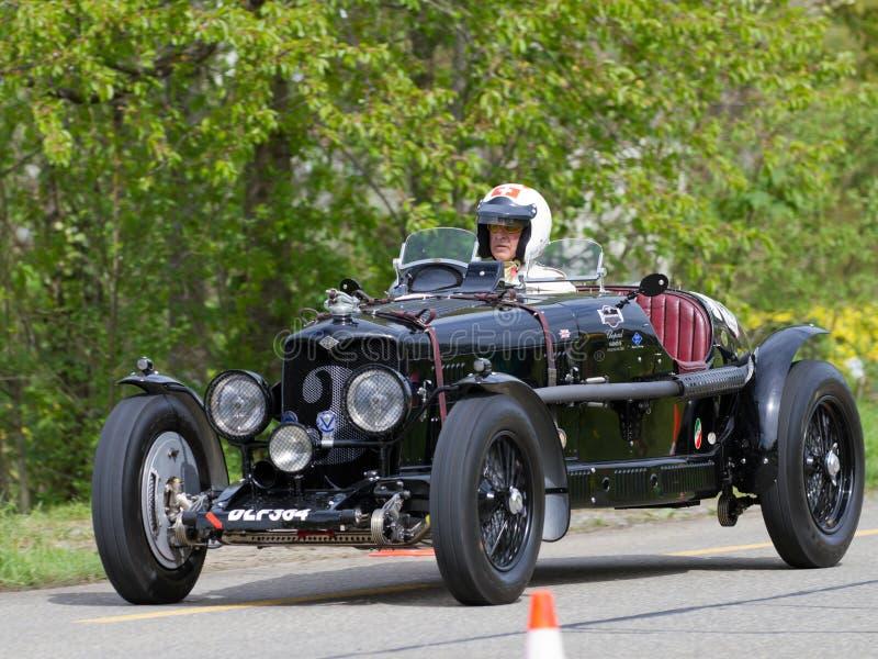 Download Weinlese-Rennwagen Riley-Drehzahl Adelphina Von 1936 Redaktionelles Bild - Bild von klassisch, bildschirmanzeige: 26355125